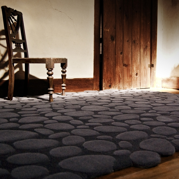 Pebbles rug by Piodao Group